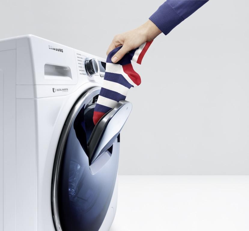 Стиральные машины Samsung с дополнительной дверцей AddWash с люком для дозагрузки белья и другие их характеристики